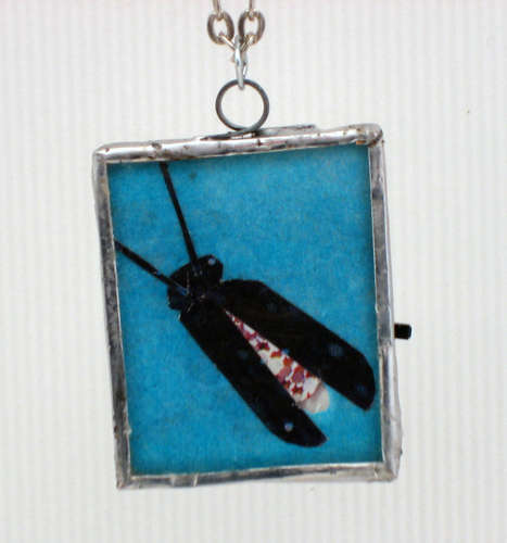 LED Microcontrolled Stained Glass Firefly Pendant using Microcontroller ATTiny45 chip
