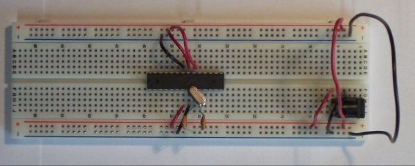 Standalone Arduino / ATMega chip on breadboard