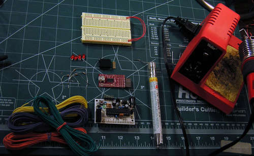 AVR LCD Namebadge Using ATtiny2313