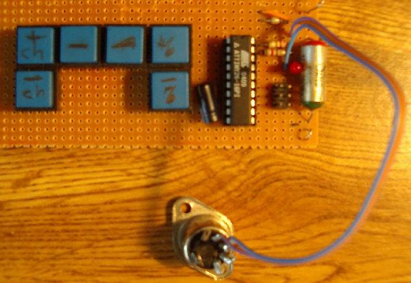 VGA Monitor adaptor using AVR microcontroller