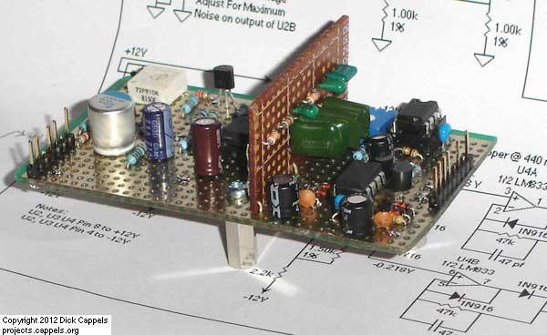 A 1 Khz Digital Sine Wave Signal Source using ATmega8515 microcontroller