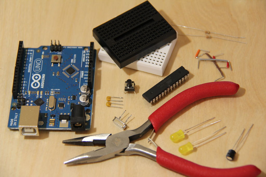 The $9 Quasi-duino (Almost-duino) using ATmega328 microcontroll