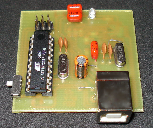 USB AVR programmer using ATtiny2313 microcontroller