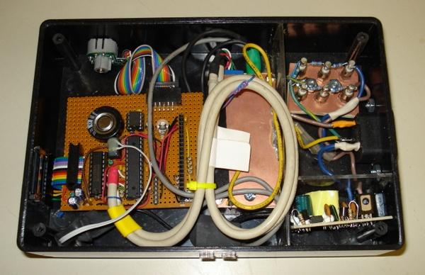 Power usage monitor using Atmel AVR using Atmega168 microcontroller