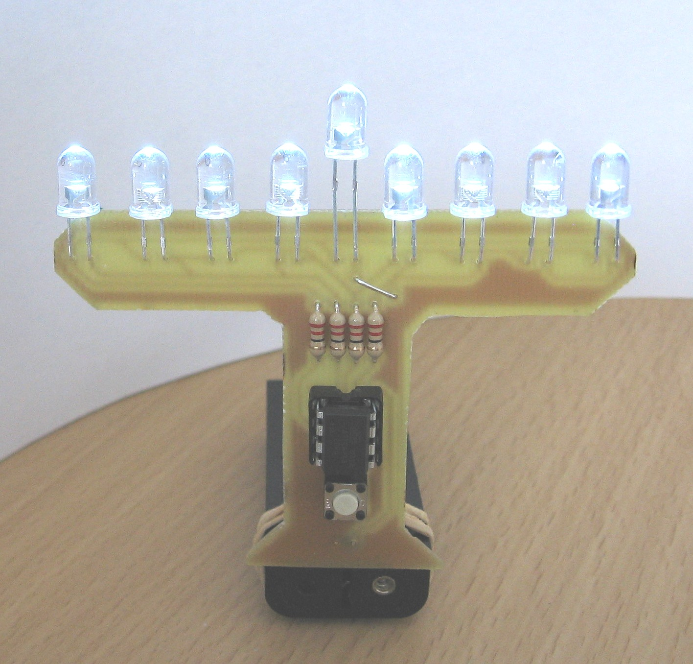 LED Menorah using ATtiny13 microcontroller