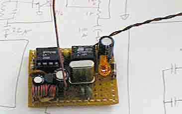 Low cost RF for simple data link and remote control using ATtiny12 microcontroller