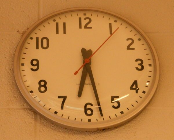Arduino-based master clock for schools using ATmega128