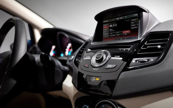 5 Bluetooth Car Accessories