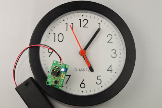 Vetinari Clock – A clock that ticks randomly