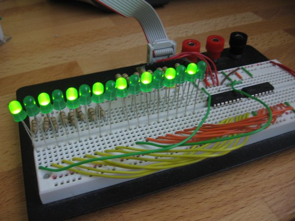 How to drive 595 shift registers with ATmega168