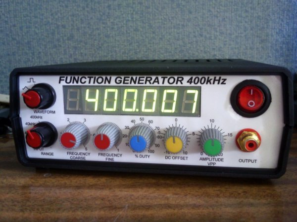400kHz function generator with ICL8038
