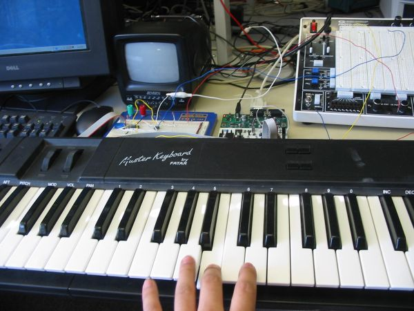 MIDI synthesizer Using Atmega32