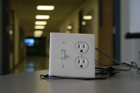 PowerBox: The Safe AC Power Meter Using Atmega32