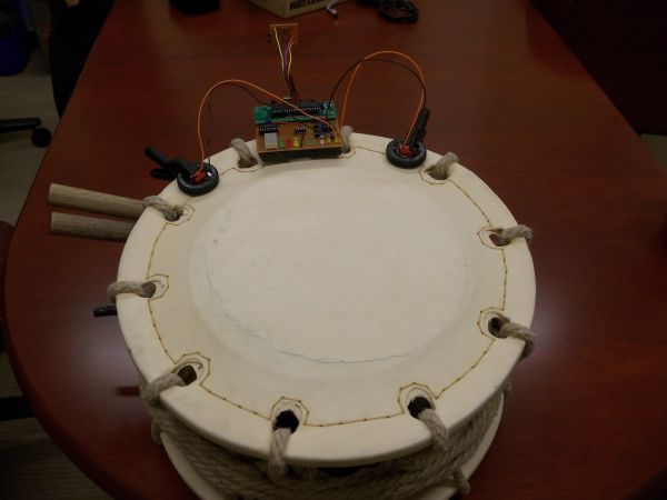Drumming Teaching and feedback device