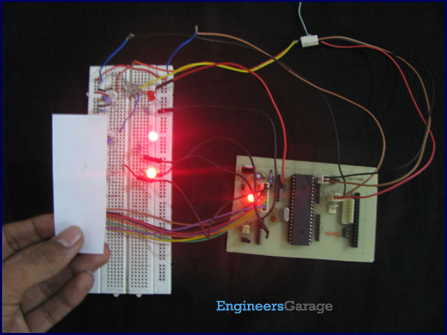 How to use inbuilt analog comparator of AVR microcontroller