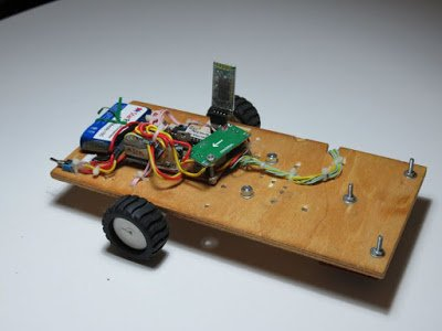InLinea01: A PID controlled line following robot build on an ATmega 8