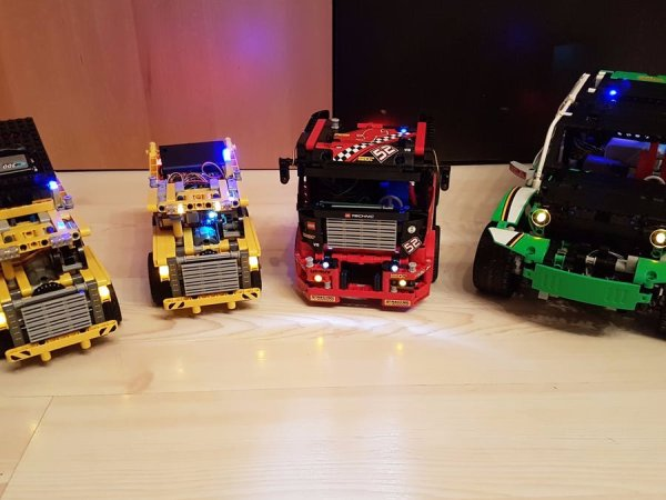 Bluetooth remote controllable (Lego) cars