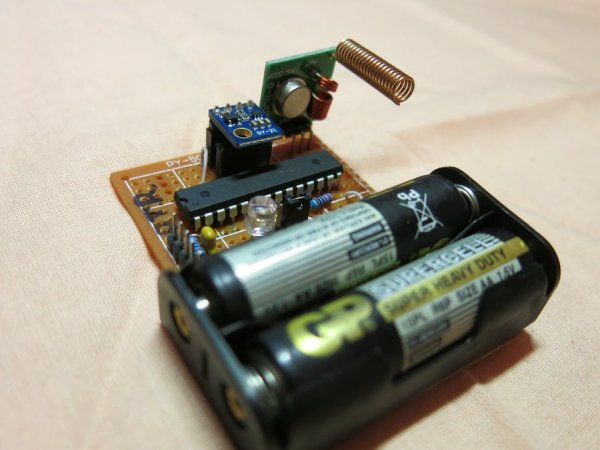 Make your own remote temperature-humidity sensor