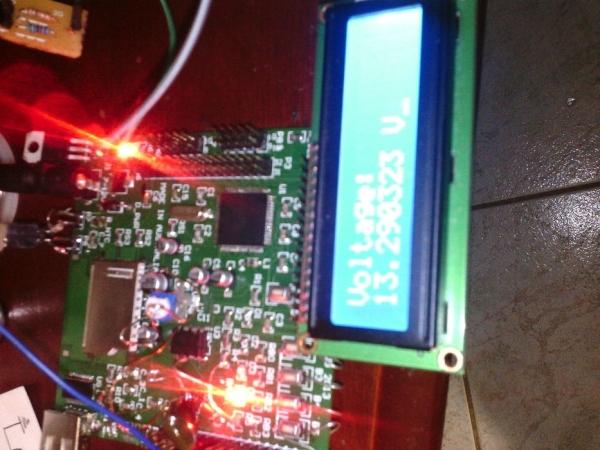 Homemade-Battery-Monitor-Using-AVR